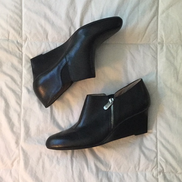 6f927e66dbc7 Adrienne Vittadini Shoes - Black leather wedge bootie size 9